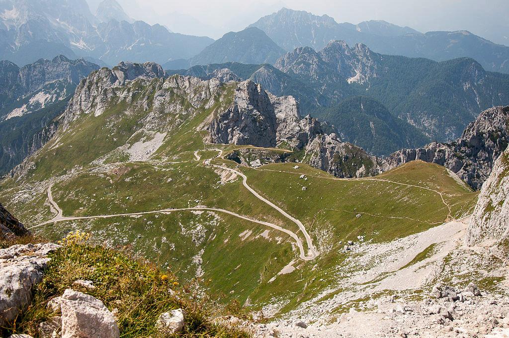 Strada del monte Mangart